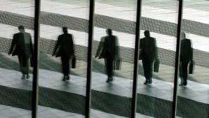 Union zeigt sich offen für Begrenzung von Managergehältern