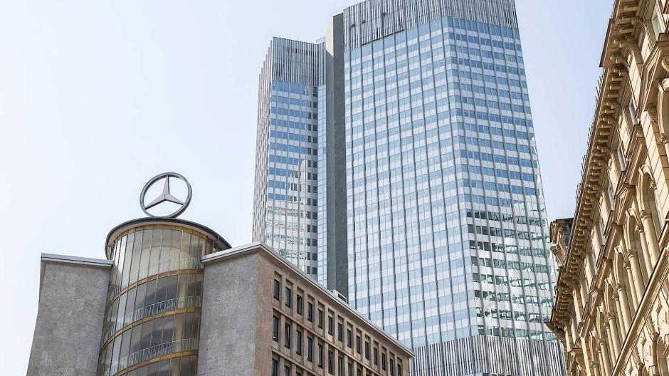 Im Eurowower in der Frankfurter Innenstadt sitzen die Bankenaufseher der EZB.