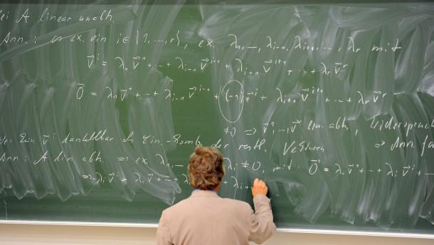 Versicherungen sorgen sich um Mathematiker-Nachwuchs