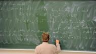 Formeln über Formeln.