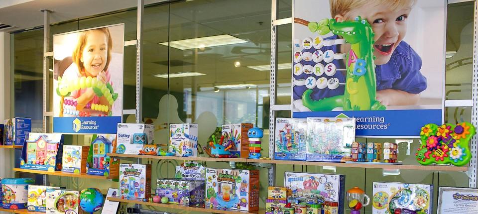 Iren Kaufen Deutsche Filialen Von Toys R Us