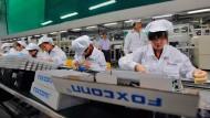 Foxconn-Mitarbeiter im Werk im chinesischen Shenzhen.