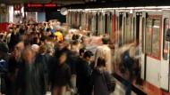 Konkurrent hört mit - auch in der U-Bahn