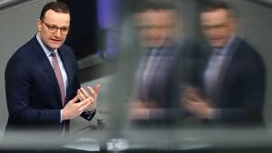 Spahn will halbe Kassenbeiträge für Betriebsrentner
