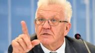 Kretschmann: Autoindustrie muss handeln