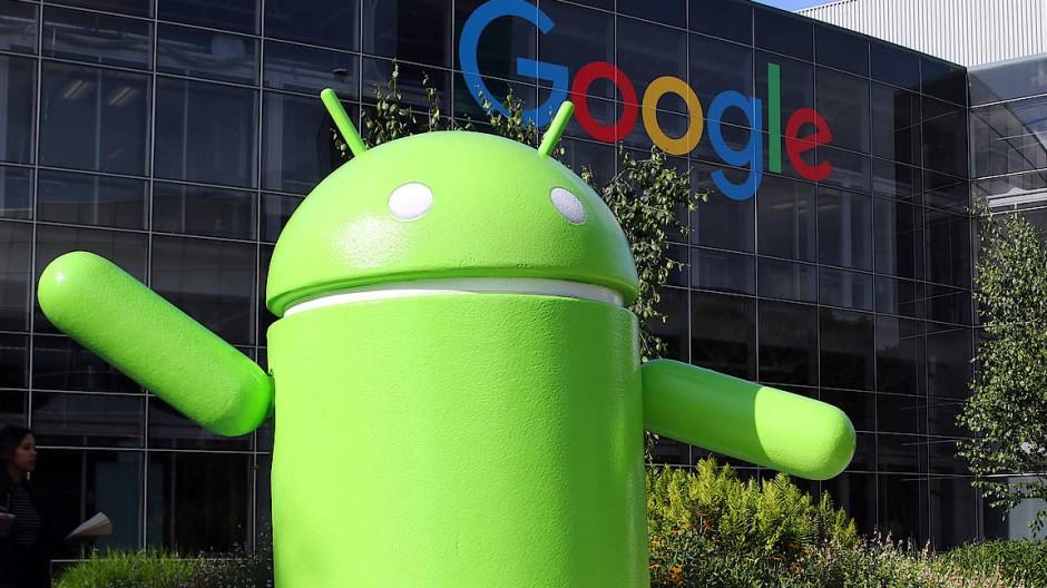 Eine große Android-Figur steht auf dem Google-Campus in Mountain View – das mobile Betriebssystem verwenden die meisten Smartphone-Nutzer.