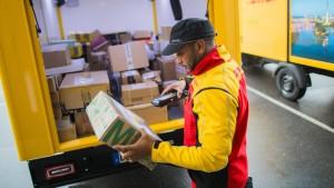 Post bringt mehr Pakete am Feierabend