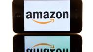 Amazon-Logo auf einem iPhone: Der Smartphone-Markt wird von Apple und Samsung dominiert wird.