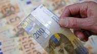 Weiter sehr begehrt: Ein Franken kostet mittlerweile einen Euro.