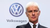 Matthias Müller hat infolge des Abgasskandals das Ruder in Wolfsburg übernommen von dem zurück getretenen VW-Chef Martin Winterkorn.