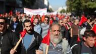 Vor allem Einschnitte bei den Renten sind Stein des Anstoßes: In Griechenland ist mal wieder Generalstreik.