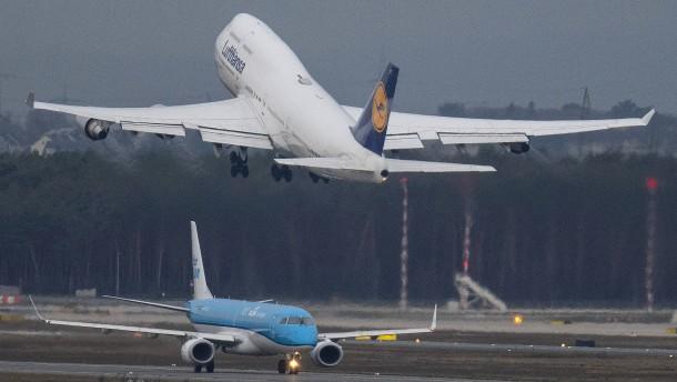 Lufthansa halbiert ihr Flugangebot