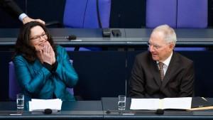 Arbeitsministerin will Frühverrentungen verhindern