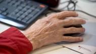 Gute Jobchancen auch für Ältere: Zugunsten von Jüngeren dürfen sie nicht wegrationalisiert werden.