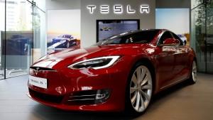 Hacker knacken einen Tesla in zwei Sekunden