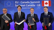 Jean-Claude Juncker, Justin Trudeau, Donald Tusk und der slowakische Premierminister Robert Fico am Sonntag in Brüssel