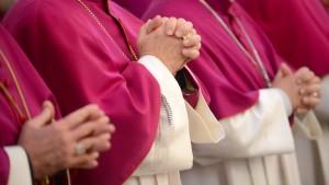 Katholische Kirche will offenbar Arbeitsrecht lockern