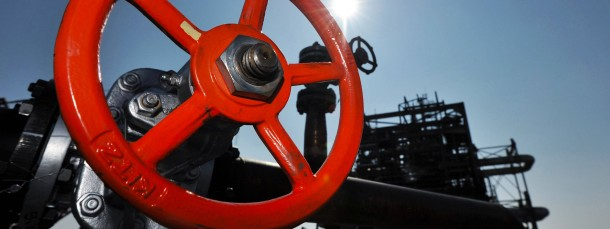 """Die Welt schwimmt quasi im Öl - das freut vor allem auch die Händler des """"schwarzen Goldes""""."""