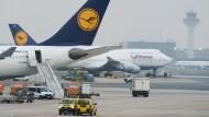 Ölpreis-Rutsch entlastet Lufthansa um 900 Millionen