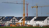 Zeit der Kräne: Neubausiedlung in Nordrhein-Westfalen