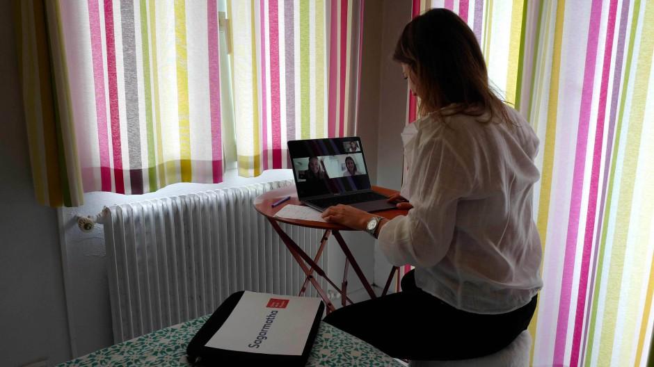 Arbeit zu Hause: Nicht alle empfinden sie als Privileg; manche fürchten sich auch vor Einsamkeit und Rückenschmerzen.