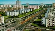 """Von 1950 bis 1982 baute die Wohnungsbaugesellschaft """"Neue Heimat"""" zahlreiche Wohnhäuser und Siedlungen in deutschen Großstädten, auch in Bremen war die Neue Vahr geplant für 30.000 Einwohner."""
