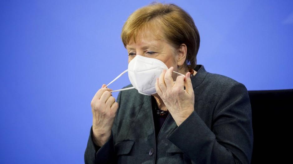 Weiter im Krisenmodus: Kanzlerin Angela Merkel während der Pressekonferenz am Dienstag.