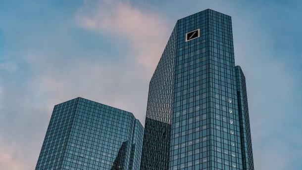 Immer mehr Kritik von Investoren an Führung der Deutschen Bank