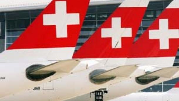 Swiss rutscht tiefer ins Minus