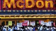 44 Festnahmen bei Streiks von Fastfood-Mitarbeitern in Amerika