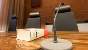 Droht bei einem Strafverfahren die fristlose Kündigung?