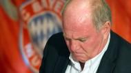 """""""Auch der Papst ist zurückgetreten und die Katholische Kirche hat es verkraftet"""", heißt es in Kreisen des Aufsichtsrates der FC Bayern AG"""