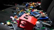 In einer Spendenaktion sammelte Ai Weiwei Legosteine in einem 5er-BMW.