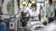 Ifo-Konjunkturprognose: Engpässe bei Rohstoffen und Vorprodukten verschärfen sich