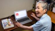 Die 82 Jahre alte Japanerin Masako Wakamiya hat eine App für Senioren programmiert.