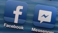 Student verfolgt Bekannte über Facebook