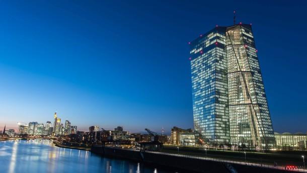 Bank der Zentralbanken fordert geldpolitische Wende