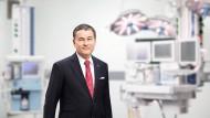 Stefan Dräger, 57, steht seit 2005 an der Spitze des Lübecker Medizintechnikherstellers Drägerwerk AG & Co, KGaA. Ein Vorfahr hat 1907 das Beatmungsgerät erfunden.