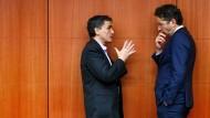 Griechenlands Finanzminister Euklid Tsakalotos im Gespräch mit Jeroen Dijsselbloem
