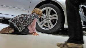 Daimler verdoppelt Prognose für Mercedes-Benz