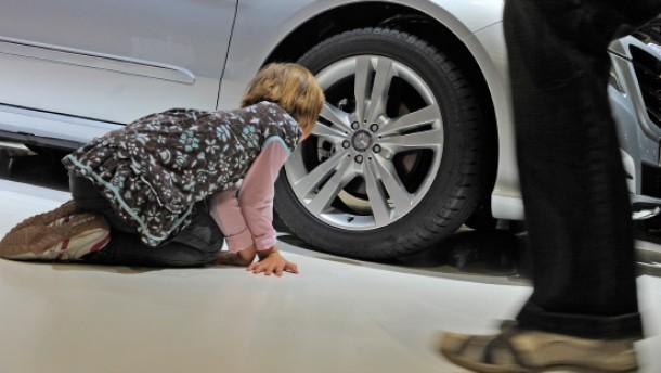 Daimler setzt sich neues Milliardenziel