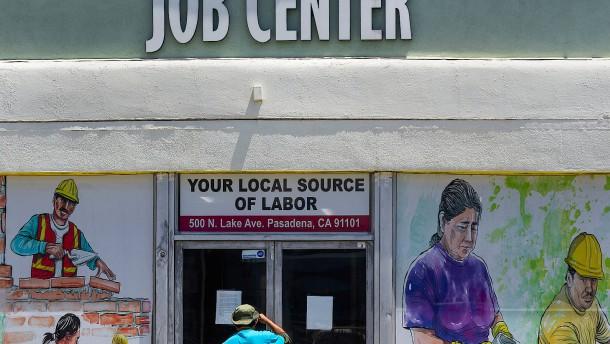 Doch wieder mehr Anträge auf Arbeitslosenhilfe