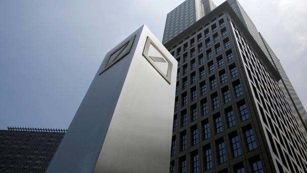 Scharfe Kritik an den Boni der Deutschen Bank