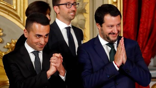Neue Sozialleistungen sorgen in Italien für Ansturm