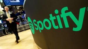 Spotify-Aktie kommt trotz Aktienrückkauf nicht aus dem Keller