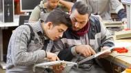 Flüchtlinge bei Thyssen-Krupp: Über Praktika sollen Flüchtlinge integriert werden.