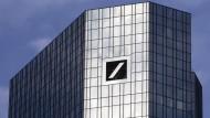 Diskussion um Aufspaltung treibt Deutsche-Bank-Kurs