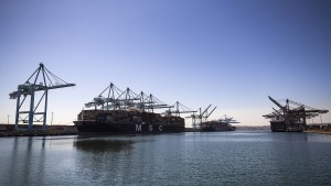 Hafen von Los Angeles arbeitet jetzt rund um die Uhr