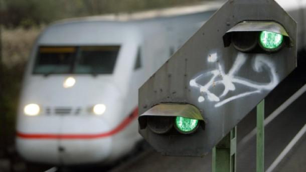 Bahn und Lokführer verhandeln wieder