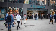 Begehrt, aber nicht unumstritten: Textilien will Primark bald in mehr Filialen in Deutschland verkaufen.
